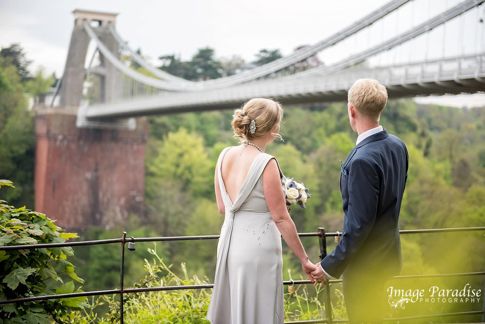 Wedding photo's by the Clifton suspension bridge