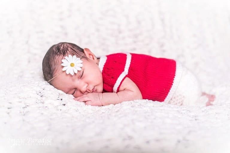 Newborn photography – baby girl