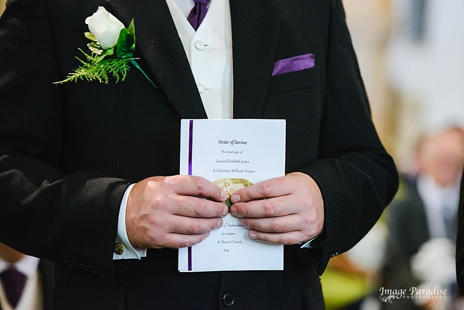 Bestman holding order of service