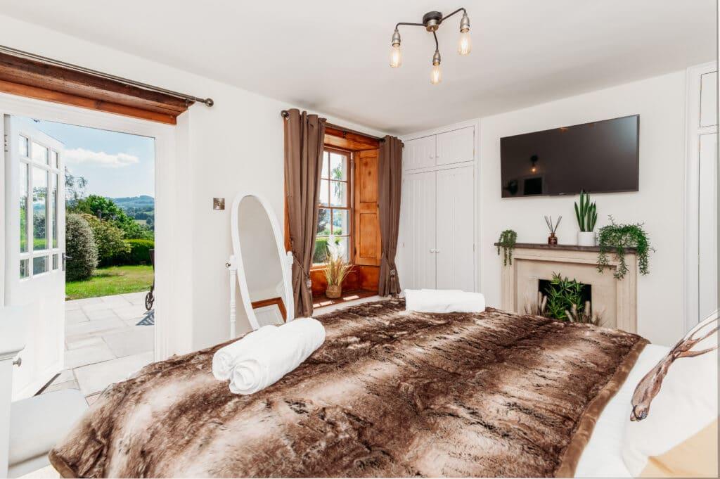 Bedroom Airbnb-photographer-Bristol